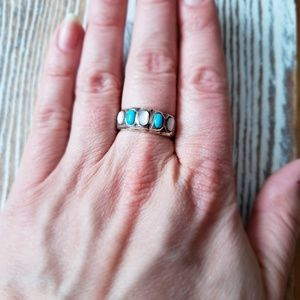 Jewelry - Vintage turquoise ring size 8